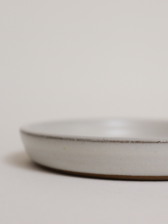 handmade ceramics fairtrade ceramics serving plate detail pebble