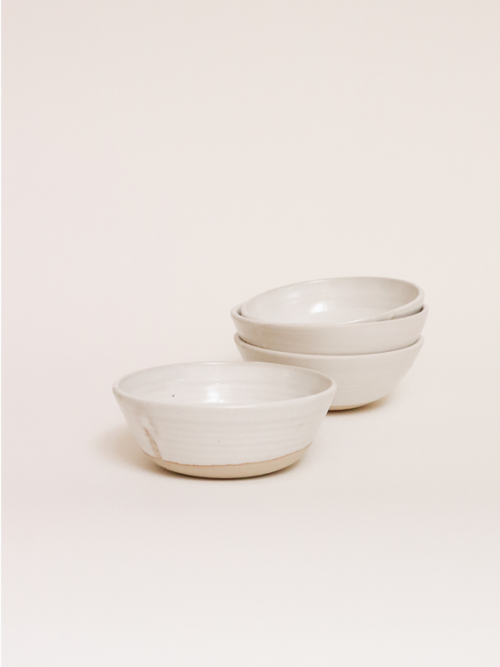handmade ceramics bowls keramiek kantoor Milky glow