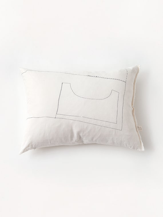 Product Image Cushion Totum Coconut Small
