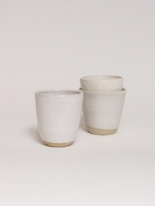 handmade ceramics coffee cup keramiek kantoor white