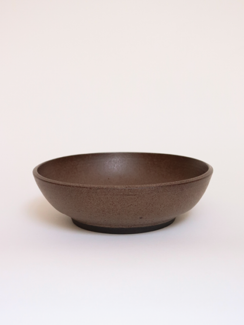 handmade ceramics plates keramiek kantoor brown earth salad bowl