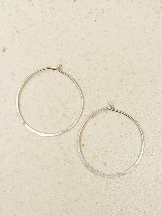 handmade silver hoops fant Martine Viergever meidum