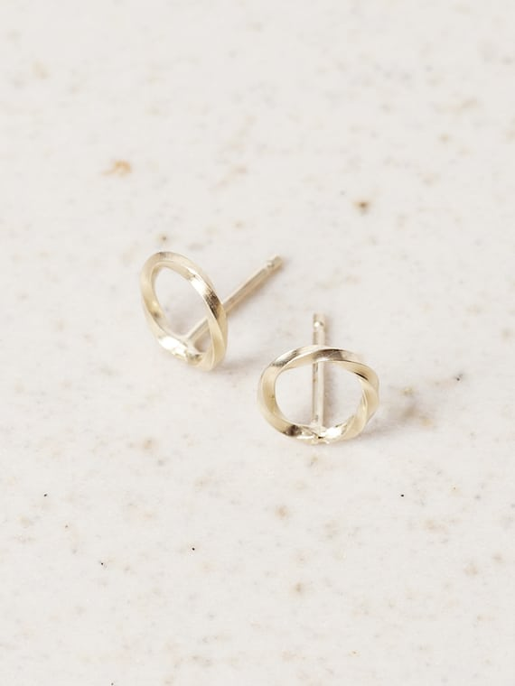 Eva Schreuder Earring Goute 4 Gold Jewelry Minimalistic Detail
