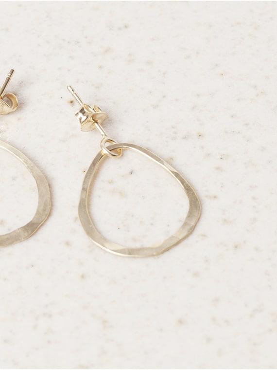 Tout En Rond Earring Gold Eva Schreuder Handmade Jewellery Detail