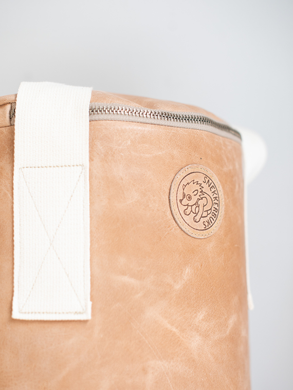 Handmade leather punching bag Boxsack Handmade in Amsterdam cognac