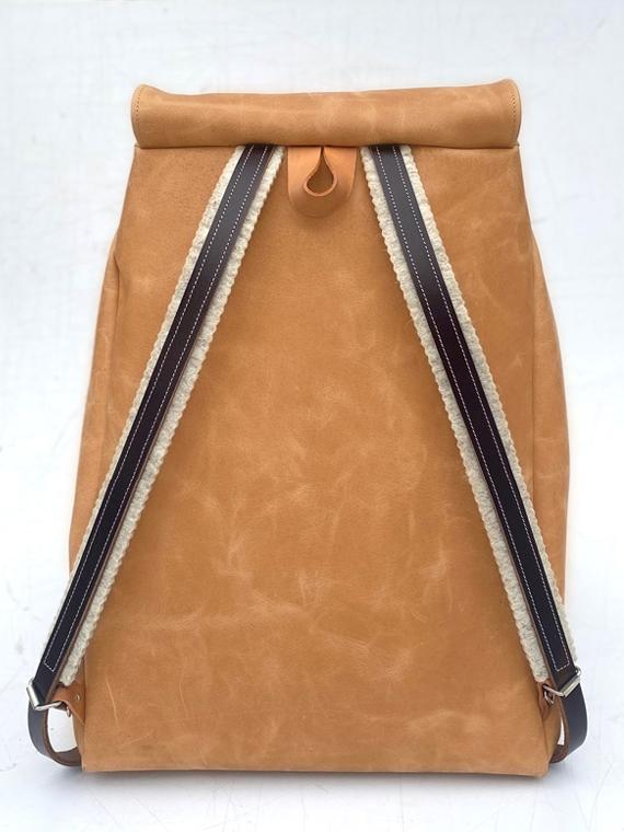 eco leather backpack made in amsterdam snekkerbuks cognac packshot back